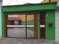 Casa 5 cômodos duas vagas de garagem a locação em Mauá SP R$ 1.300,00 Anunciante Gil - 11 95806 6272 - 11 97138752